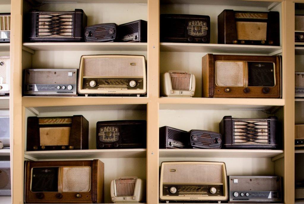 trilingual children, internet radio