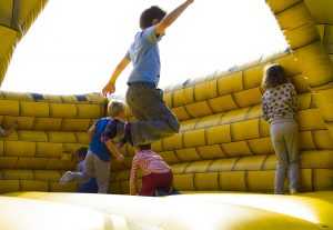 best small bouncy castles, mini bouncy castles, indoor bouncy castles, best bouncy castles for kids, benefits, entertainment